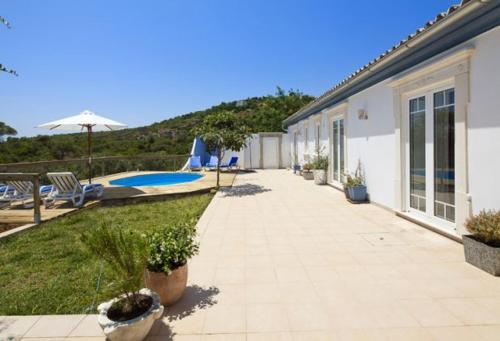 Goldra Villa Sleeps 6 Pool