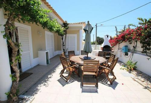 Praia do Carvoeiro Villa Sleeps 6 Pool