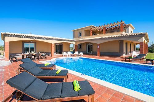 Alcantarilha Villa Sleeps 8 Pool Air Con WiFi