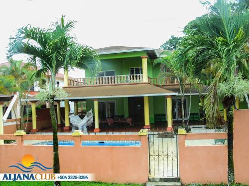 Beach-House Deluxe #6, Omoa