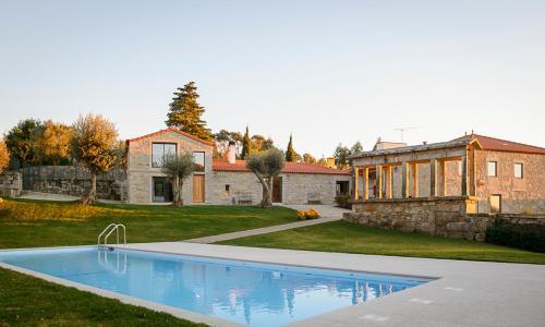 Tras-o-Rio Villa Sleeps 12 Pool WiFi