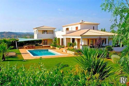 Burgau Villa Sleeps 12 Pool WiFi