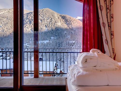 Zermatt Villa Sleeps 10 WiFi, Zermatt