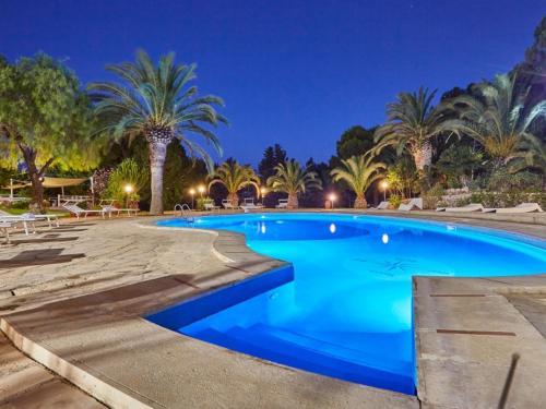 Modica Villa Sleeps 15 Pool Air Con WiFi, Modica