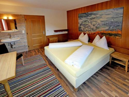Mayrhofen Apartment Sleeps 10 WiFi, Mayrhofen