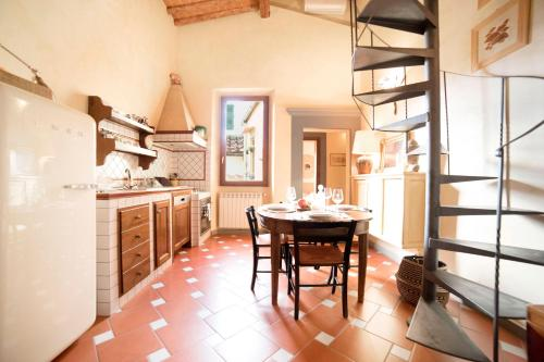 Leone Apartment-San Frediano, Florence