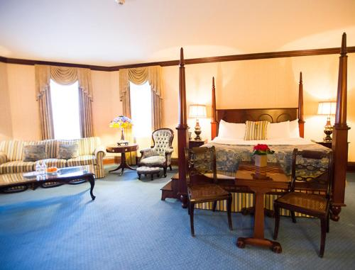 prince of wales hotel niagara on the lake on canada. Black Bedroom Furniture Sets. Home Design Ideas