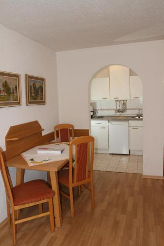 Apartment mit 1 Schlafzimmer (2-4 Erwachsene) (One-Bedroom Apartment (2 - 4 Adults))