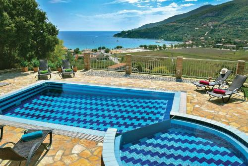 Limni Keriou Villa Sleeps 6 Air Con WiFi, Marathias