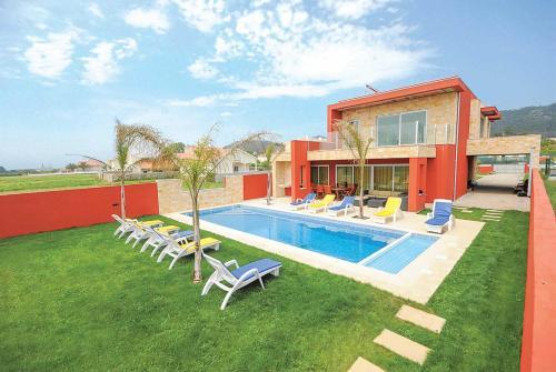 Marinhas Villa Sleeps 10 Air Con WiFi