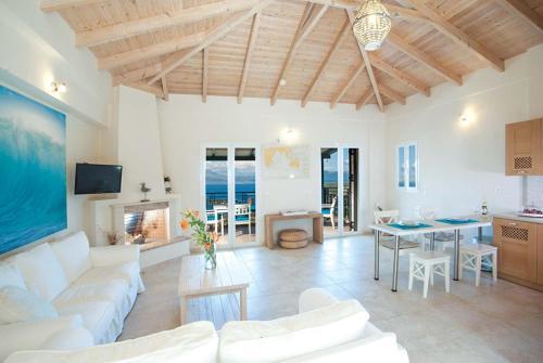 Neochori Villa Sleeps 7 Air Con WiFi, Neochórion