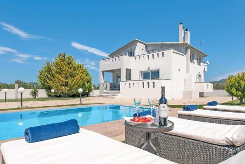Agrilia Villa Sleeps 6 Air Con WiFi, Laganas