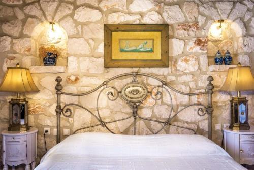 Agios Leon Villa Sleeps 6 Air Con WiFi, Áyios Léon