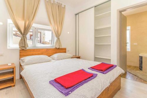 Orbanici Villa Sleeps 8 Air Con WiFi, Orbanići
