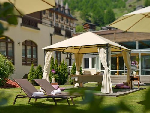 Zermatt Apartment Sleeps 4 Pool WiFi T031620, Zermatt