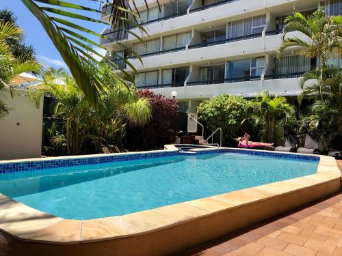 Hi-Ho Beach Apartments