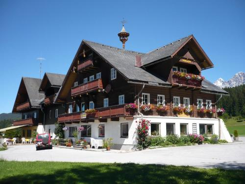 More about Hotel Stockerwirt
