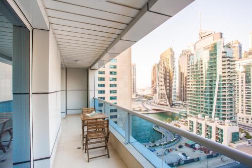 Deluxe Marina One Bedroom Balcony Apartment, Дубай