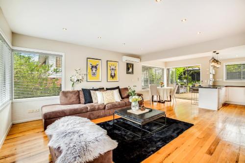 Comfortable&sunshine, Auckland