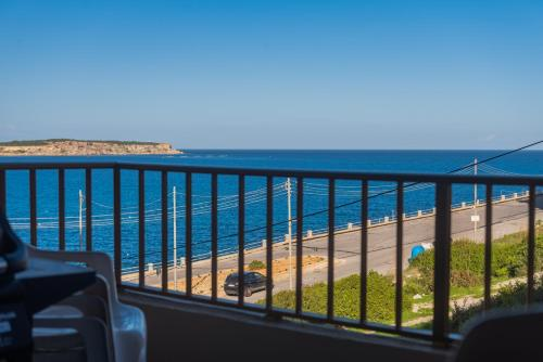 Mellieha Bay - Lovely 2 Bedroom Apartment Minutes from the Beach