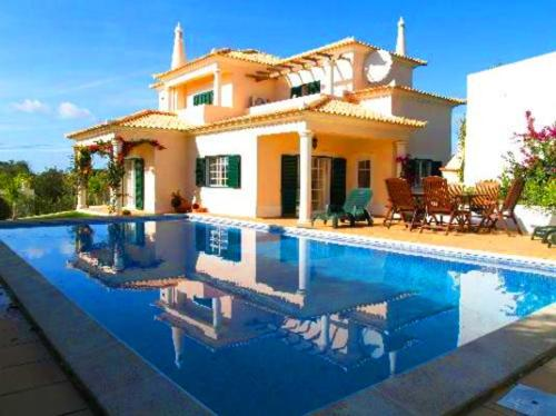 Almancil Villa Sleeps 6 Pool Air Con WiFi T479997