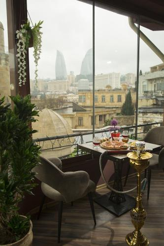 Boulevard Side Apartment, Baku