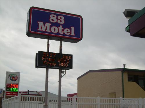 83 motel