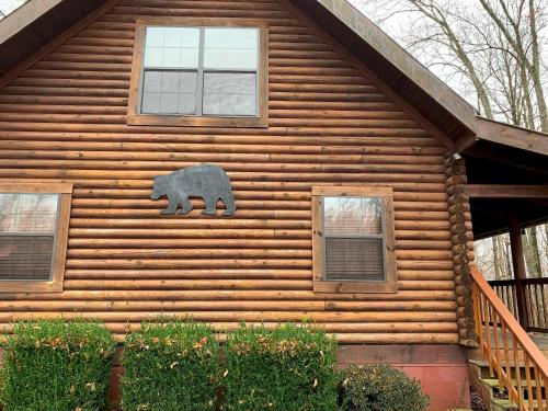 Bear Necessities Lodge near Dale Hollow Lake