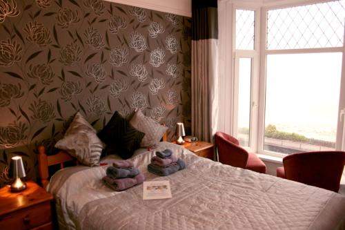 Stay at Devon View Guesthouse Swansea