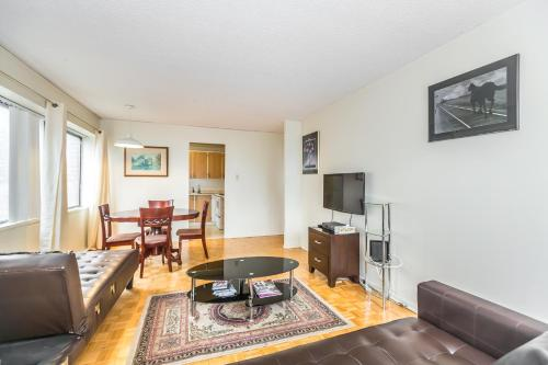 Toronto Furnished Living-Gerard