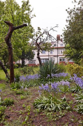 Best Western Plus Oxford Linton Lodge