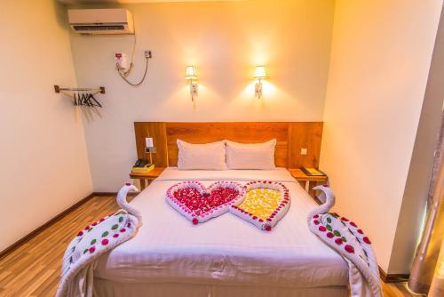 Hotel 8, Mandalay