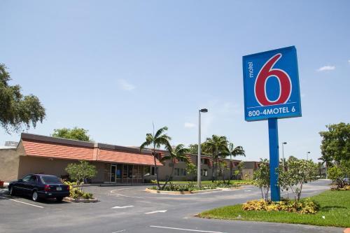 Motel 6 Miami FL, 33166