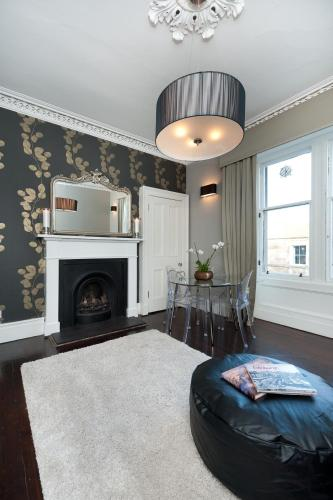 Photo of Livingstone Place Apartment Self Catering Accommodation in Edinburgh Edinburgh