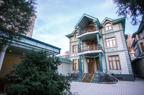 Izumrud Hotel, Tashkent