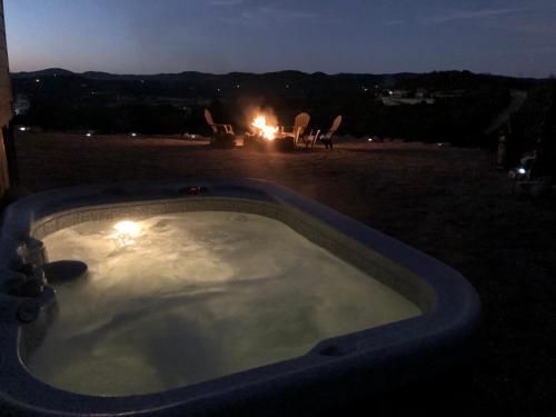 Antler Run Ranch - Bandera Mountainside Home
