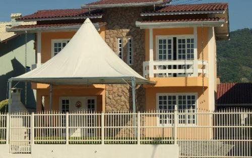 Casa no Centro de Itapema - SC