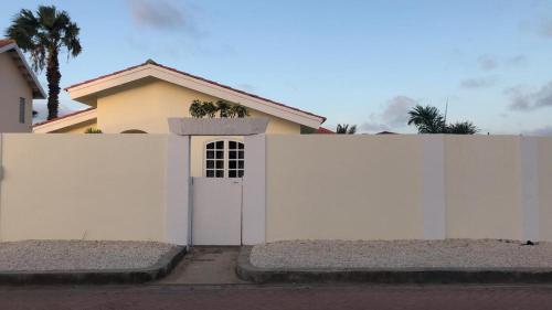 34 Tibushi, Palm Beach
