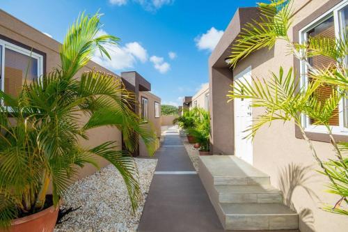 Apt 2,Great location, Best Price, near the Beach, Palm Beach