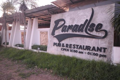 Paradise Inn and Dining, Sara Buri