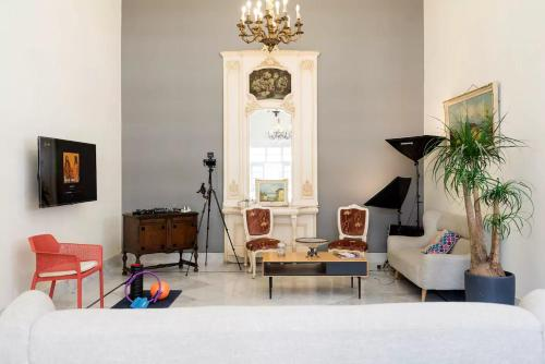 Spacious Classical Guesthouse in Gemmayze, Beirut