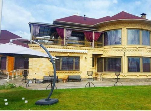Royal House, 阿拉木图