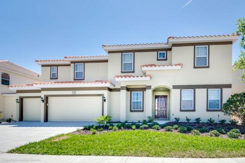 Oakwood Street Villa #244471