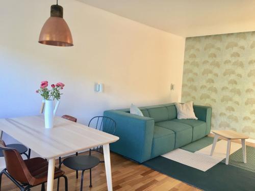 Sunny Oeiras Apartment