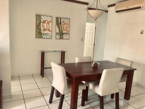 Alquiler de habitación, San Salvador