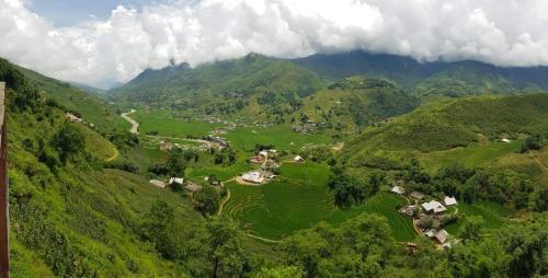 Big Tree Hmong Homestay, Lao Cai