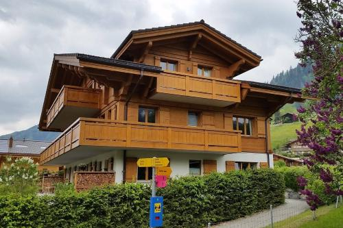 Gstaad Perfect Winter Luxury Flat with great views, Gstaad