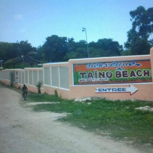 TAINO BEACH BAR, Grand Goâve
