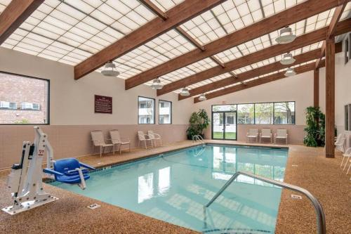 Best western plus portsmouth hotel suites portsmouth new hampshire seacoast new hampshire for Hotels in portsmouth with swimming pool