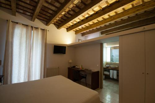 Double or Twin Room - single occupancy Mont-Sant 3